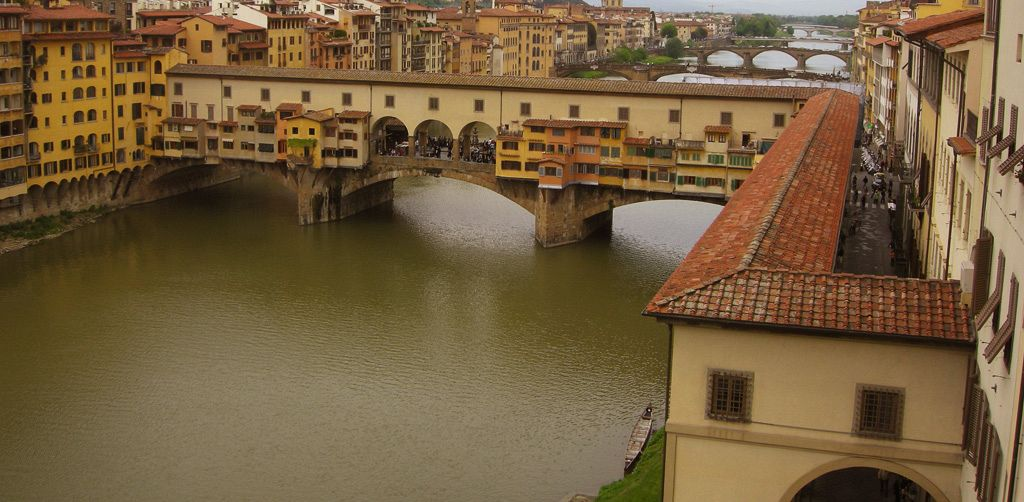 The Vasari Corridor: a guided tour in a group - Art & History Tours